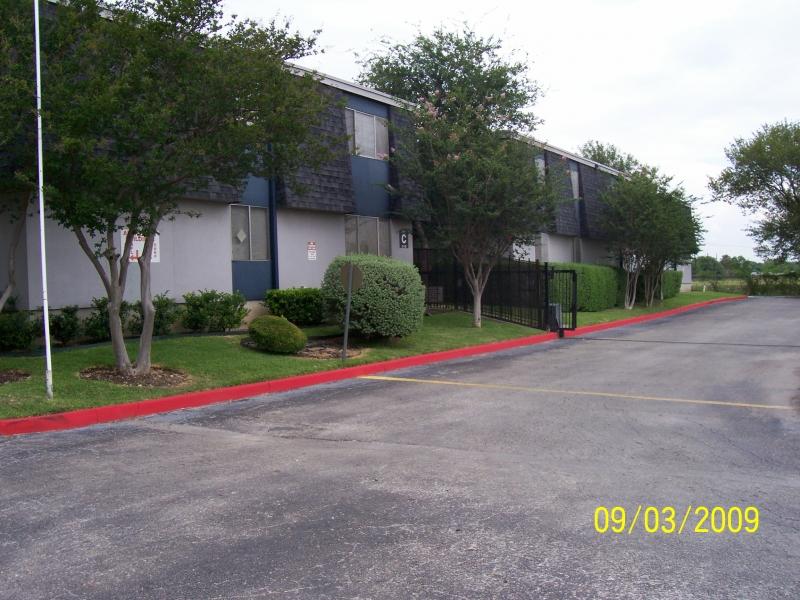 McMullen Square Apartments , TX