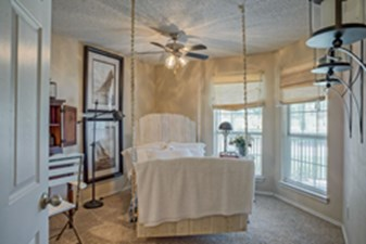 Bedroom at Listing #136910
