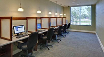 Business Center at Listing #153246