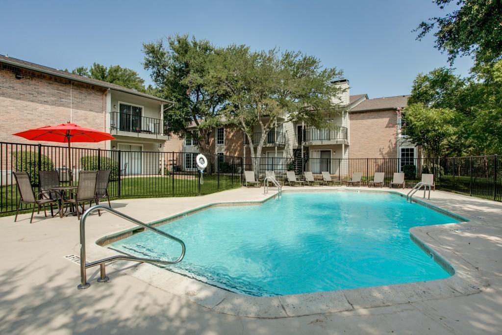 Pool at Listing #136964