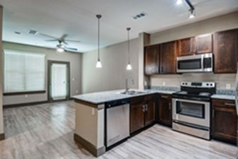 Living/Kitchen at Listing #301344
