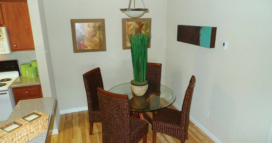 Dining at Listing #138319