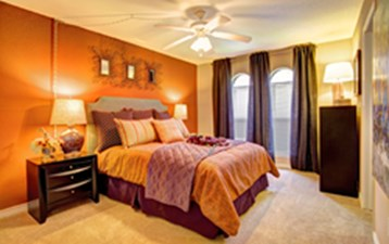 Bedroom at Listing #138700