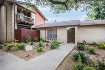 Exterior at Listing #141481