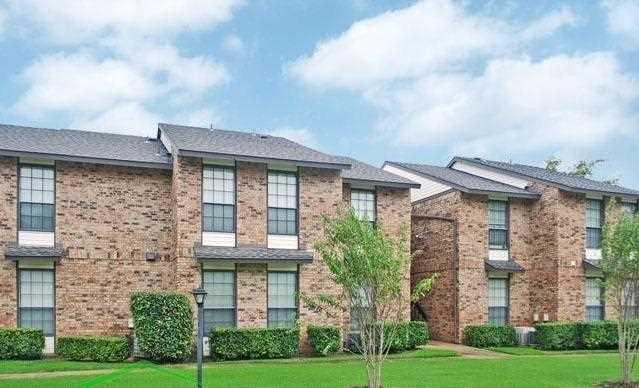 Oak Tree Condos Carrollton TX