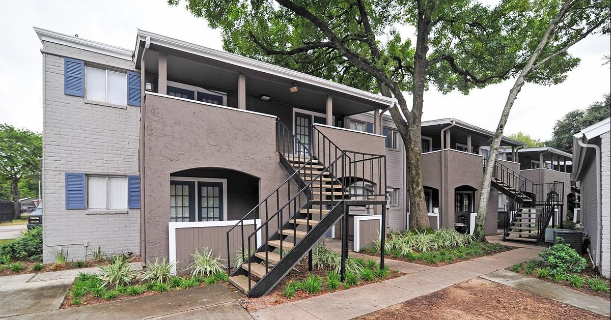 Bayou Parc at Oak Forest Apartments Houston TX