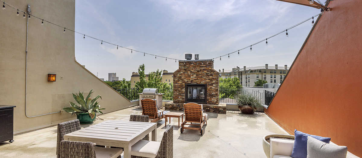 Rooftop Deck at Listing #137579