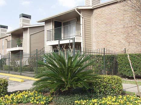 Wyndham Oaks Apartments Houston TX