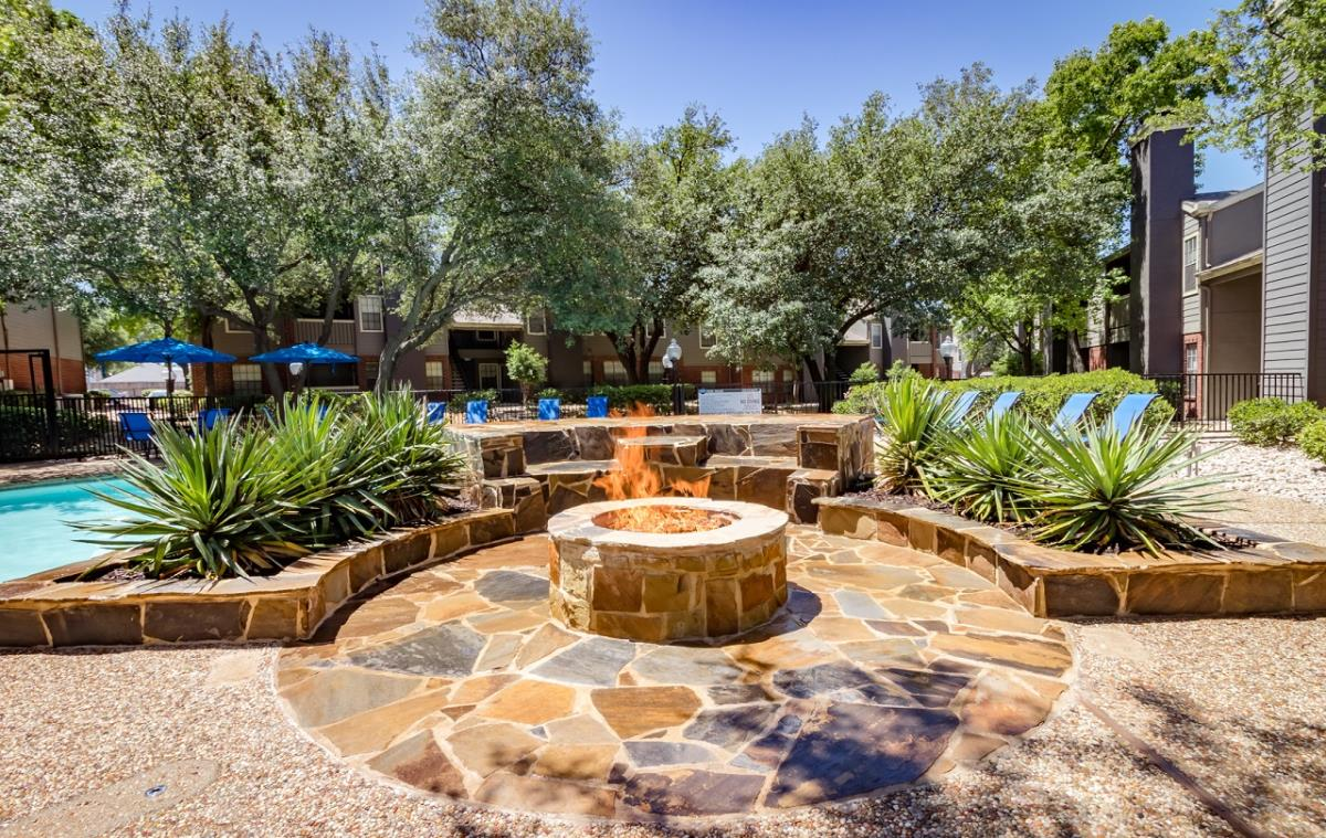 Fire Pit at Listing #135967