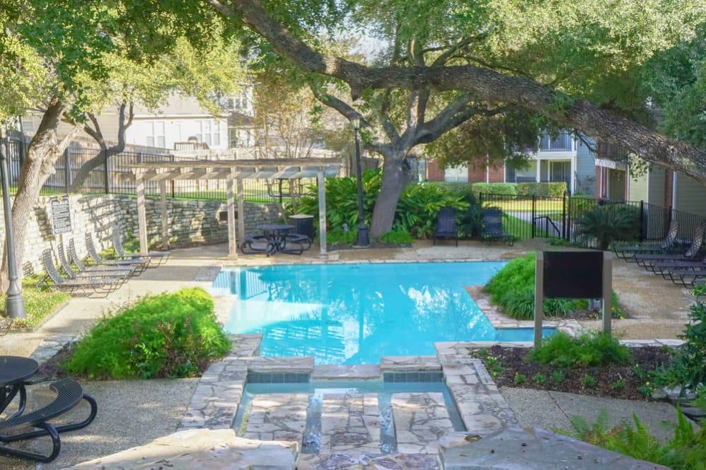 Hilltop at Shavano Apartments San Antonio TX