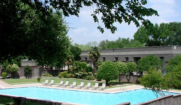 Pool at Listing #140489