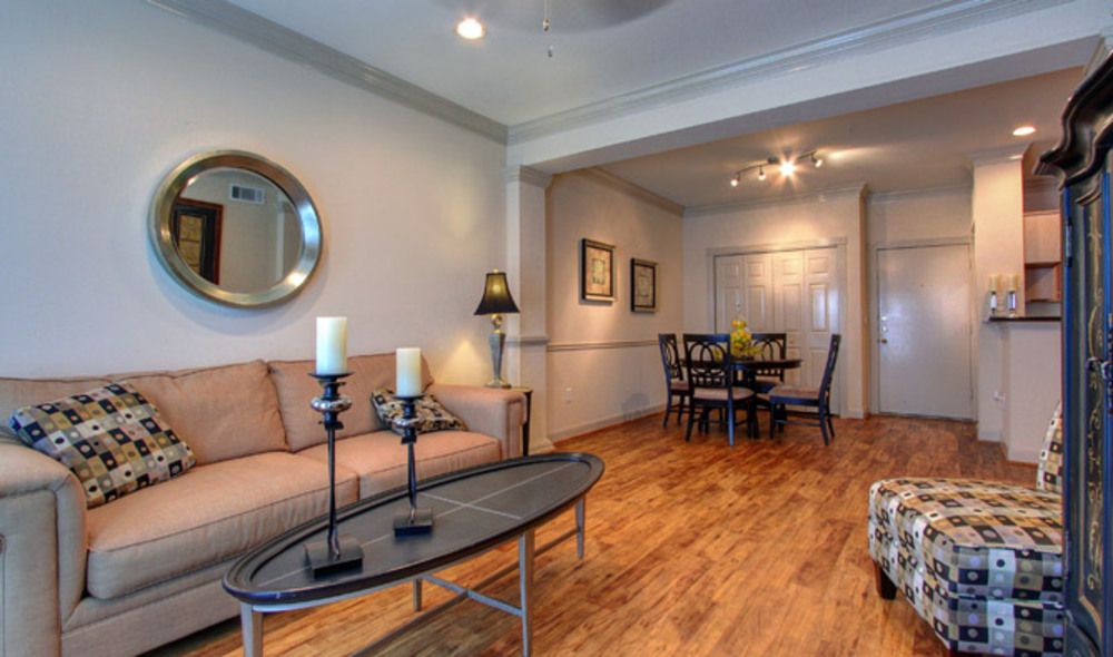 Living at Listing #139718