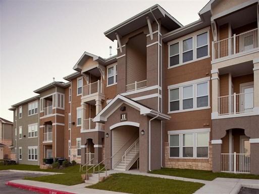 Encino Pointe Apartments