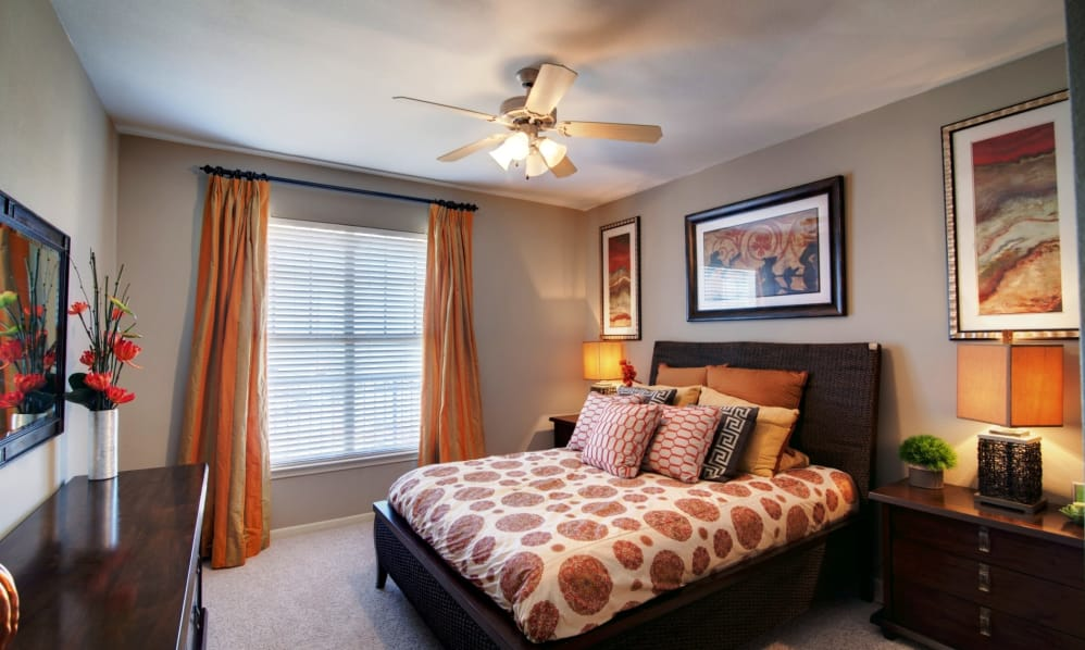Bedroom at Listing #147488