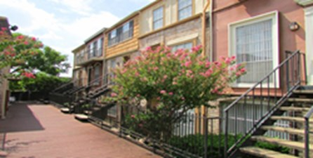 Exterior at Listing #138898