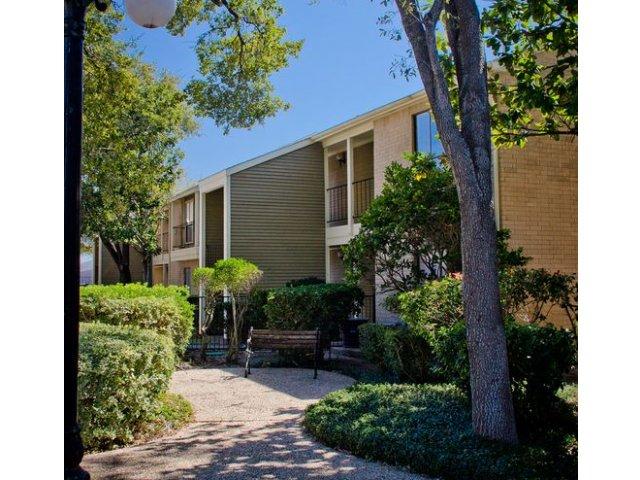 Oaks of Ashford Point Apartments Houston TX
