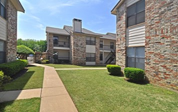 Exterior at Listing #136441