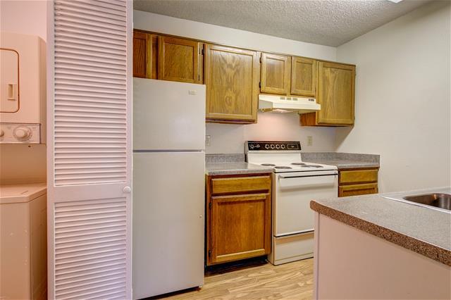 Kitchen at Listing #136281