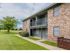 Pearl on University Apartments Denton TX