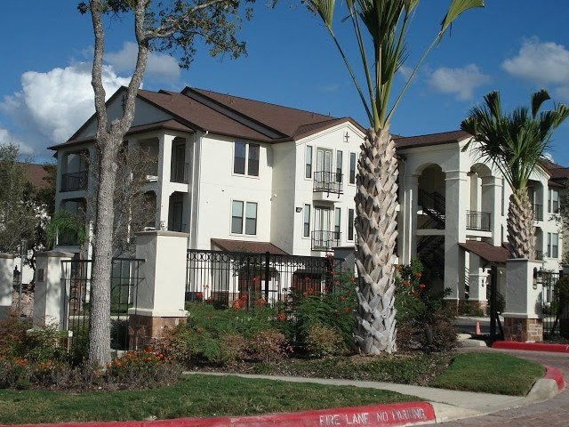 Sendera Landmark Apartments San Antonio, TX