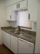 Kitchen at Listing #139533