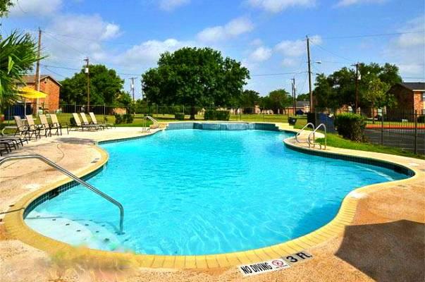 Pool at Listing #141275