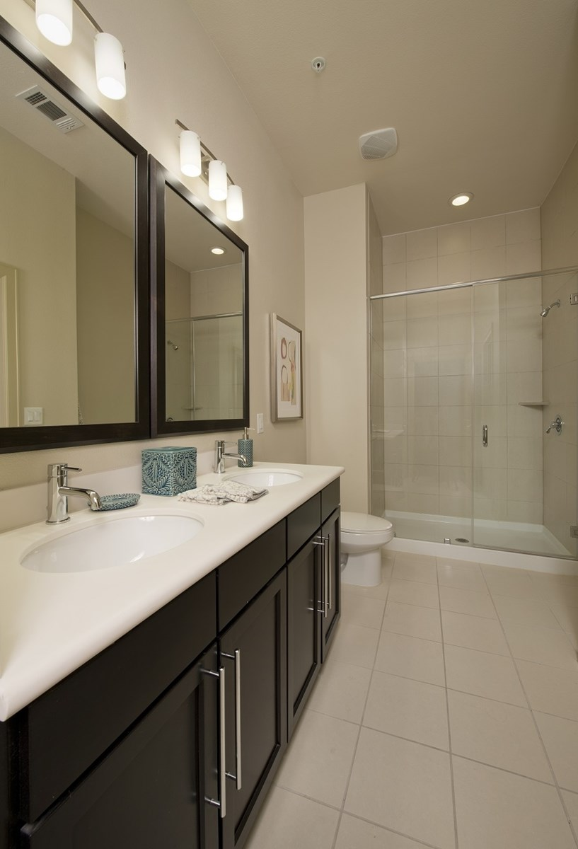 Bathroom at Listing #152216
