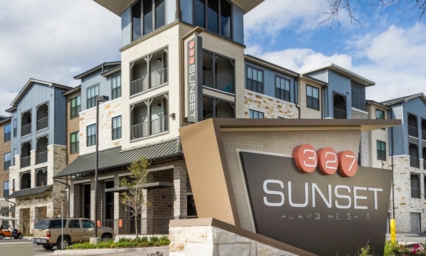 327 Sunset Apartments San Antonio, TX