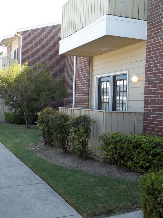 Exterior at Listing #137759