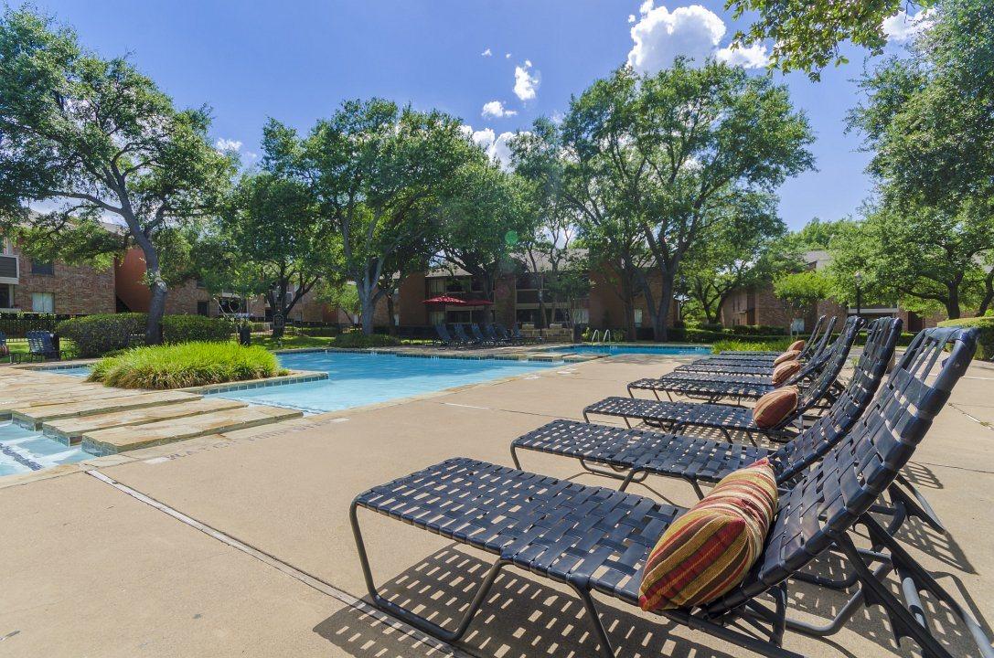 Pool at Listing #137153