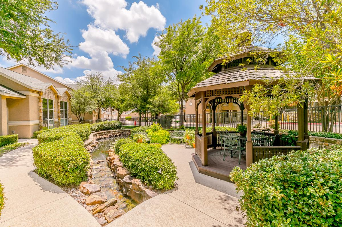 Courtyard at Listing #137731