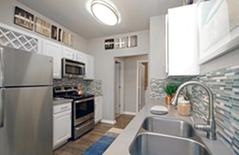 Kitchen at Listing #141432