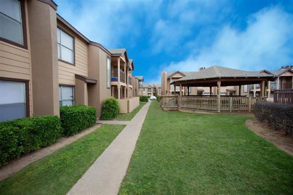 Exterior at Listing #135920