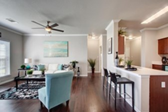 Living/Kitchen at Listing #147839