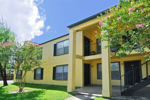 Exterior at Listing #140007