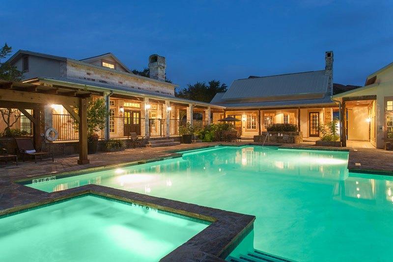 Pool at Listing #140647