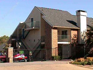 Exterior 1 at Listing #136389
