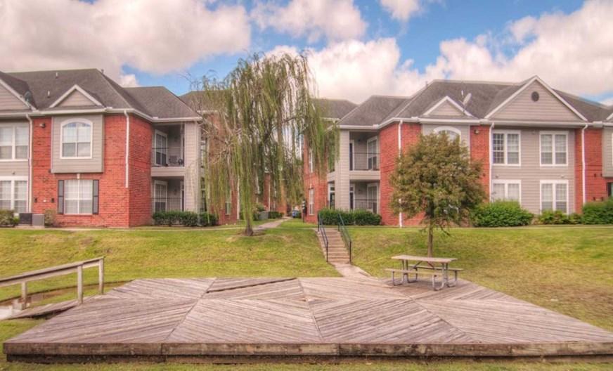 Fairmont Oaks Apartments