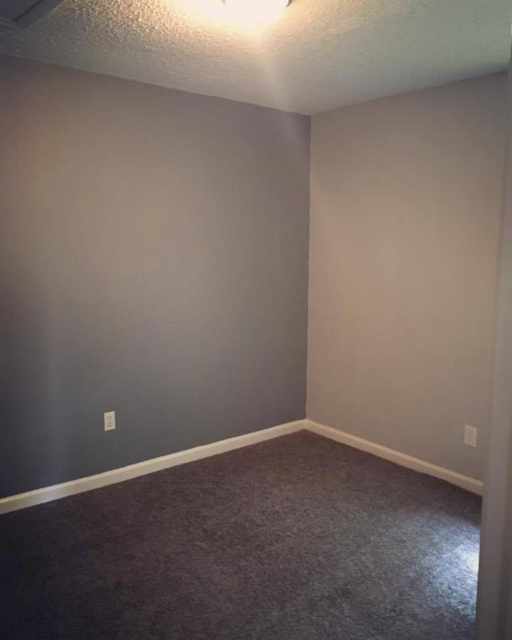 Bedroom at Listing #136862