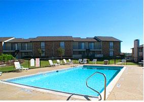 Pool at Listing #137162