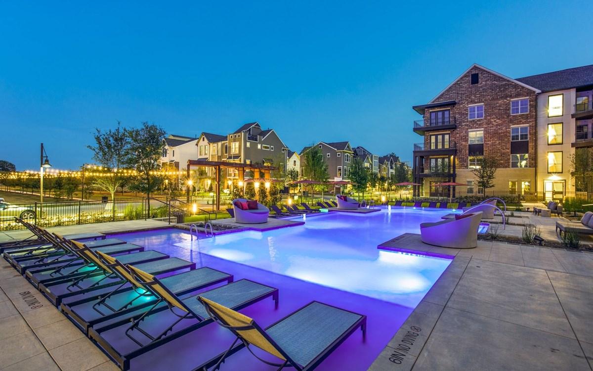 Pool at Listing #286348