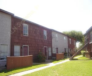 Exterior 1 at Listing #139874