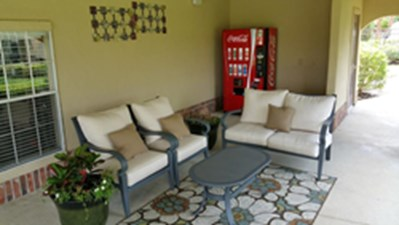 Lounge at Listing #139255