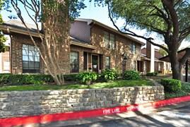 London Park Apartments Dallas TX
