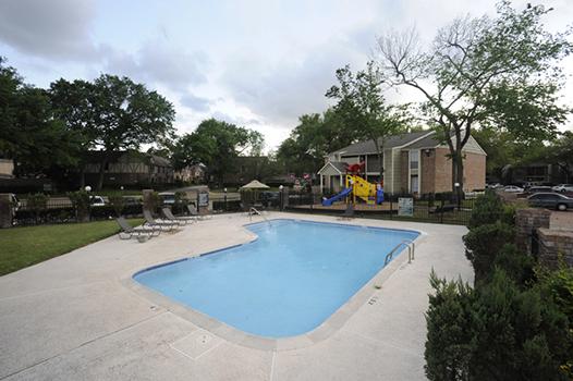 Pool at Listing #139915