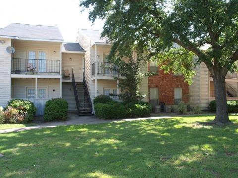 Exterior at Listing #138658
