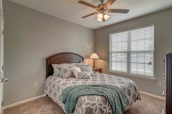Bedroom at Listing #291859