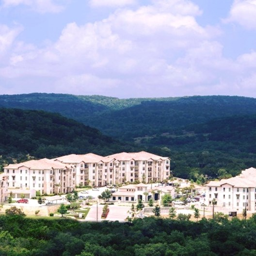 Retreat at Cross Mountain Apartments