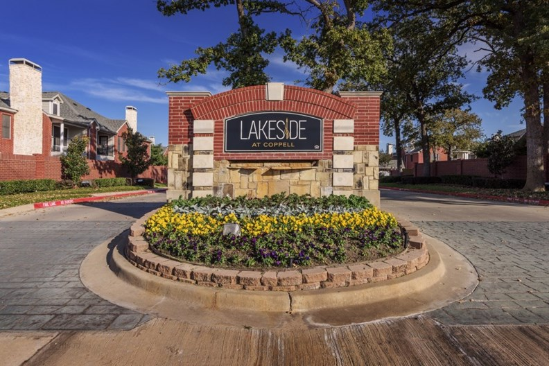 Lakeside at Coppell Apartments