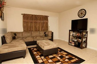 Living at Listing #139941